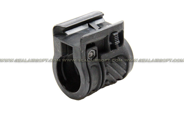 CYMA AK Tactical Flashlight Mount (BK) (C.66)