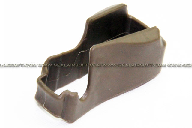 SE NQ Type Magazine Well Non-Slip Rubber Grip For M4 Series (Dark Earth)
